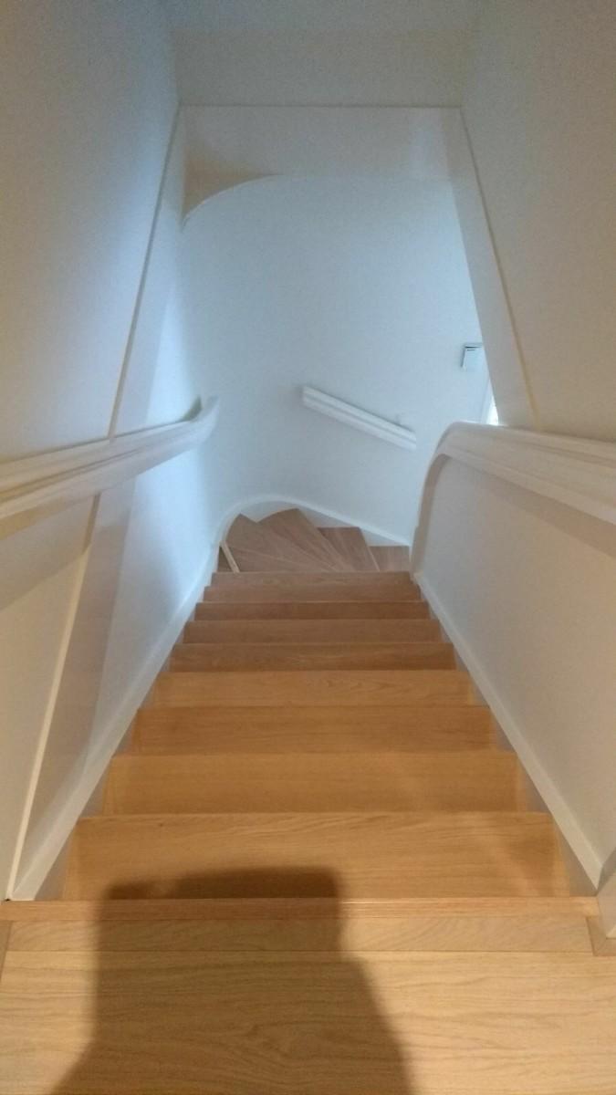 Nieuwe trap zonder slopen van Topvloeren traptreden renovatie