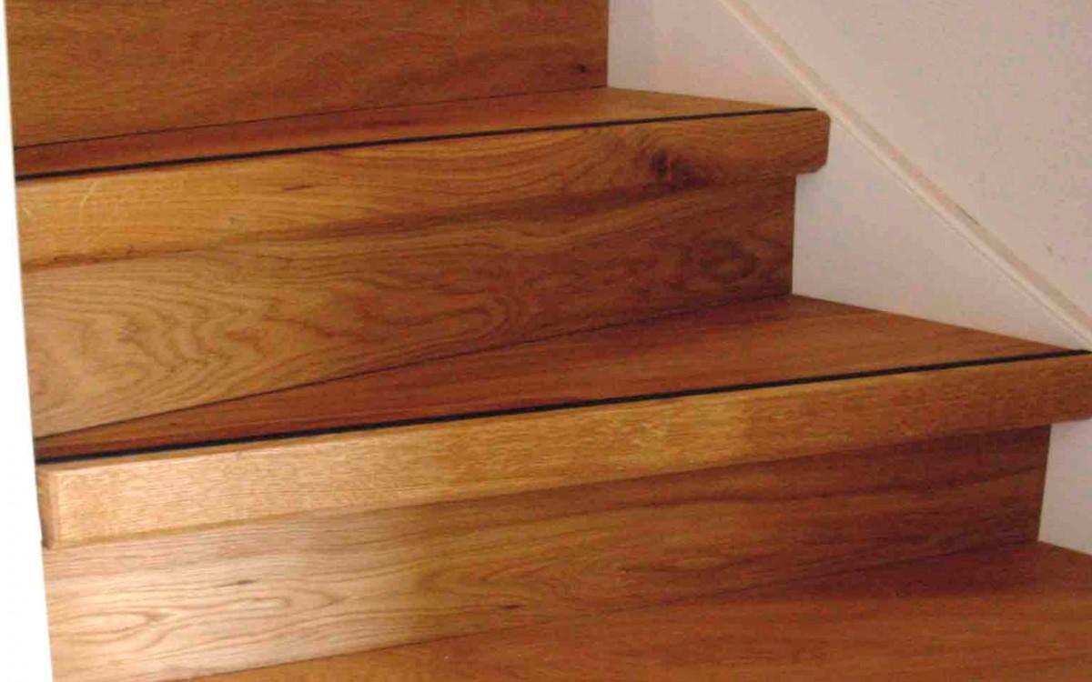Nieuwe trap zonder slopen. Traptreden renovatie van Topvloeren